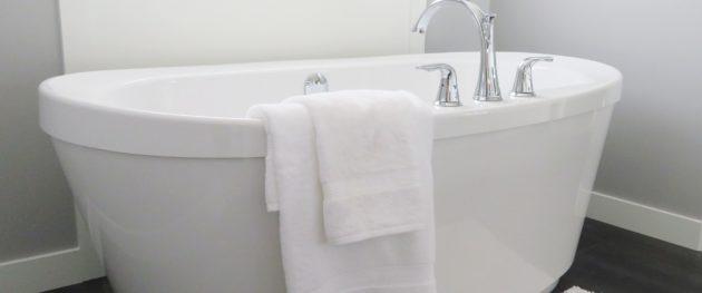 Wanna wolnostojąca w łazience